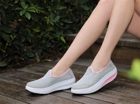 Vough Slip On Black Sepatu Wanita Slip On sepatu slip on platform wanita size 36 gray jakartanotebook