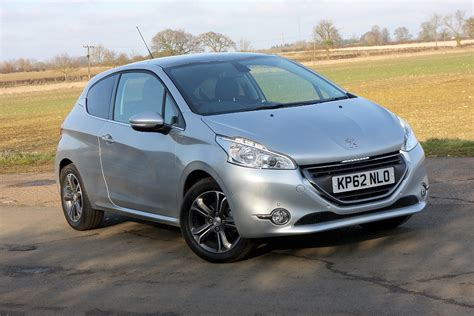 peugeot hatchback cars peugeot 208 hatchback review parkers