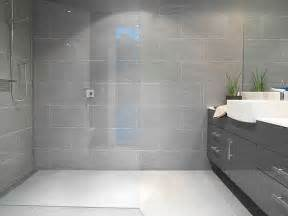 Gray Bathroom Tile Ideas by 25 Best Ideas About Grey Bathroom Tiles On