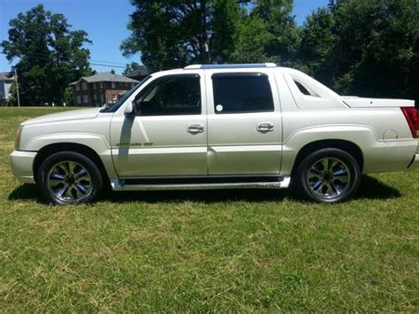 find used 2002 cadillac escalade ext escalade white cadillac ext truck low miles in miami buy used 2002 cadillac escalade ext crew cab pickup 4 door 6 0l in charlotte north carolina