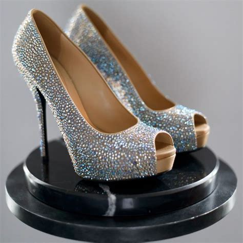 Sparkly Bridal Shoes by Sparkly Gucci Bridal Shoes Photographer Averyhouse