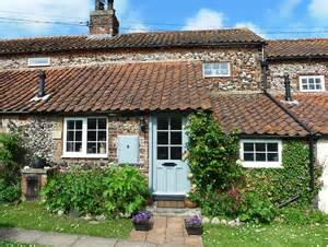 norfolk cottage to rent in next the sea