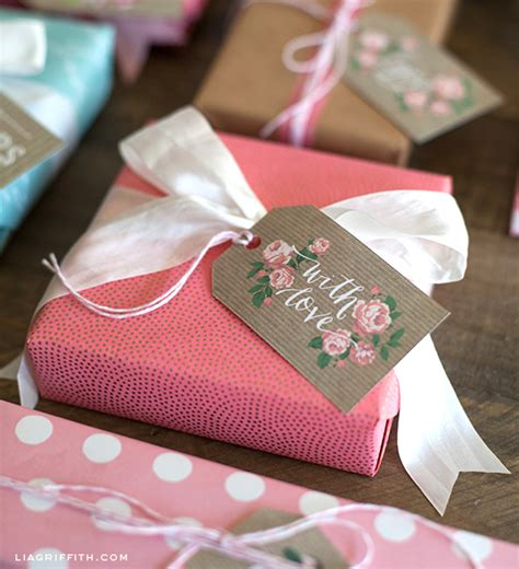 printable kraft paper gift tags spring gift tags in kraft paper and vintage roses lia