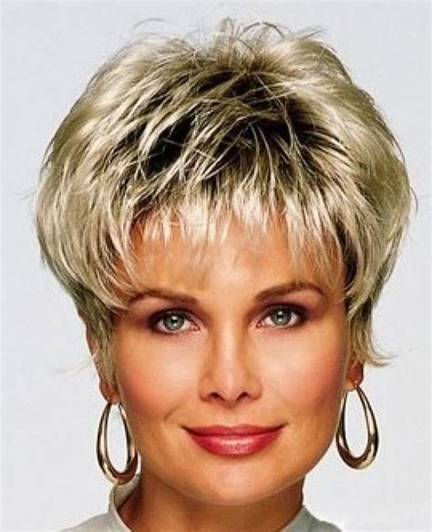 Choosing Hairstyles Over 40   choosing short hair styles for women over 40 short and