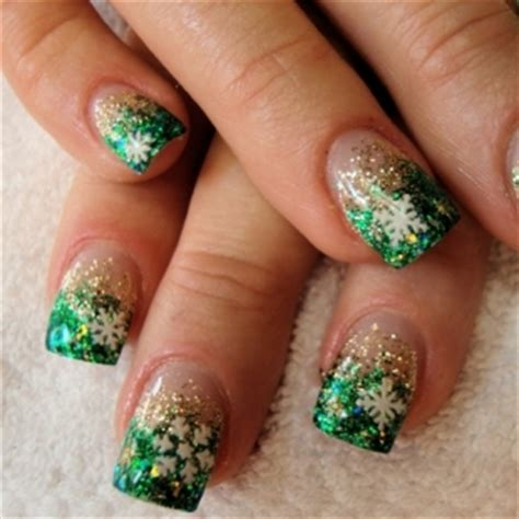 fingernail patterns new years nail designs