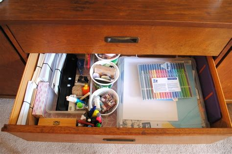 Organizing A Desk Without Drawers 10 Ways To Make A Workplace Pretty Designs