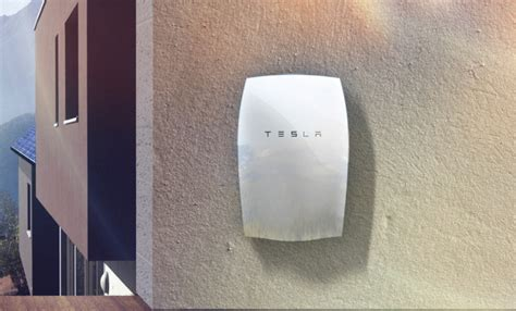 tesla s new 3 500 10kwh powerwall home battery lets you
