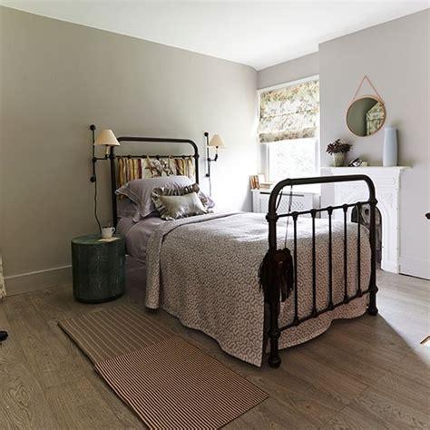 traditional bedroom  bronze bedstead bedroom decorating housetohomecouk