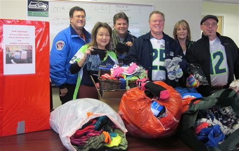Renton School District Address Lookup Renton High School Alumni Donate 2 500 Worth Of Hats Scarves Gloves And More