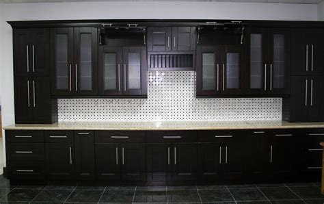 what is in style for kitchen cabinets shaker style cabinets for kitchen application traba homes