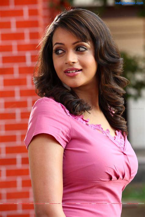 actress bhavana latest malayalam actress bhavana unseen hot dance photoshoot