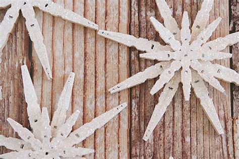 13 diy wooden christmas decorations to hang on the tree