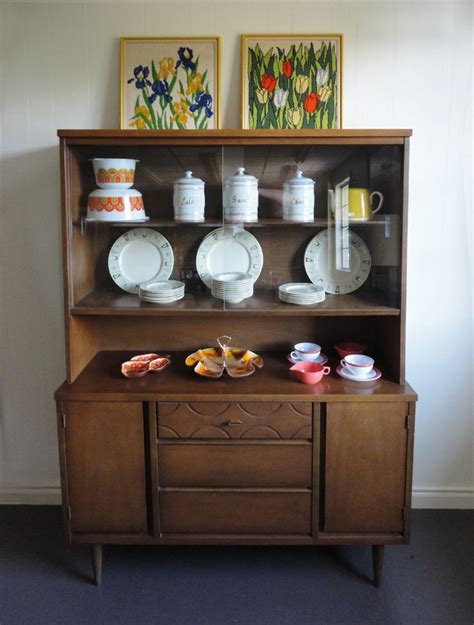 how to set up a china cabinet mid century china cabinet hutch vintage bassett 295 00