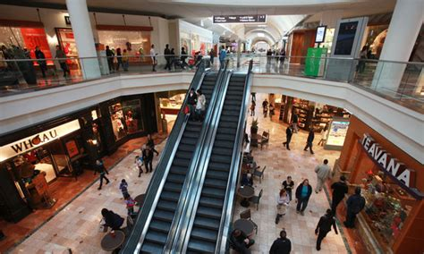 Garden State Mall Paramus Nj Hours Westfield Garden State Plaza Back To Business With