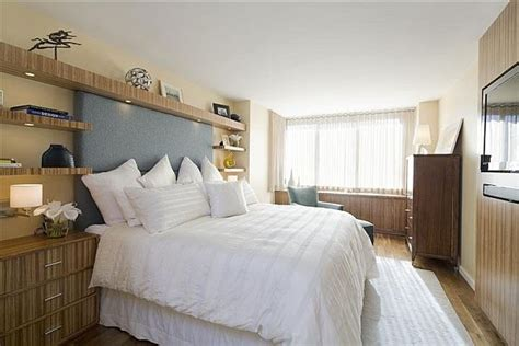 bed decorating ideas without headboard how to decorate the wall above the bed