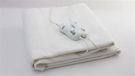 Sleeping With Electric Blanket by Sunbeam Sleep Electric Blanket Fitted Bl5151