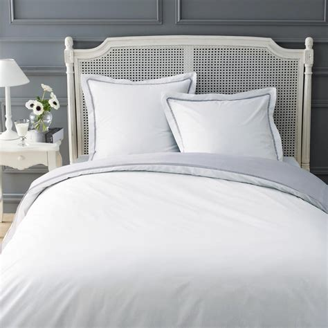 Impressionnant Photo De Chambre Ado Fille #8: parure-housse-de-couette-blanc-gris-260x240-2-taies-d-oreiller-uni-1000-12-4-131983_1.jpg