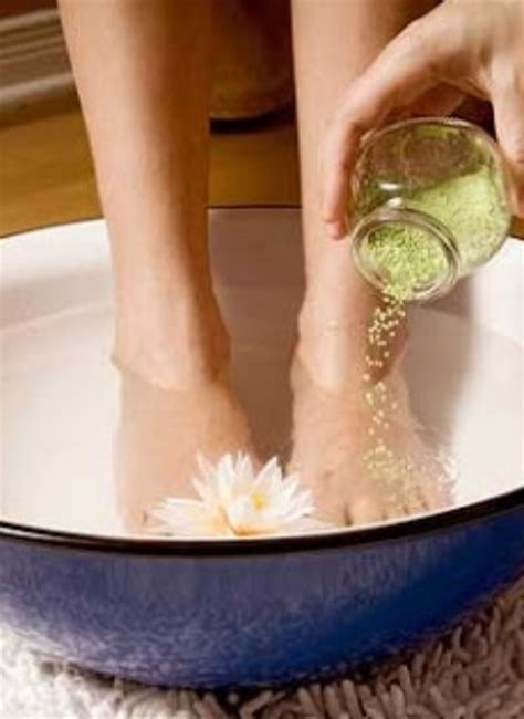 Detox With Epsom Salt Foot Bath by Musely