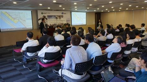 attendees listened   expert advices  building smart city applications  gis
