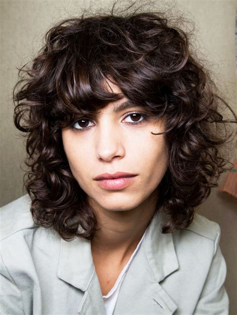 best shag haircuts 44 best images about haircuts on bangs shag hairstyles and wavy bobs