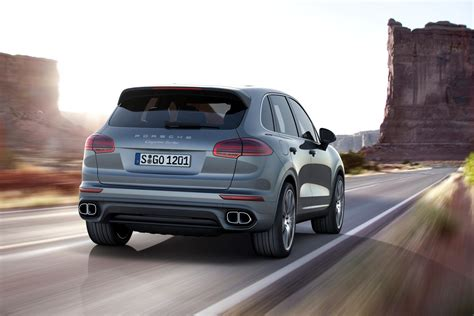 porsche cayenne 2015 2015 porsche cayenne facelift revealed gets 410hp plug in