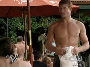 Photos trevor donovan exiting 90210 a shirtless tribute photos