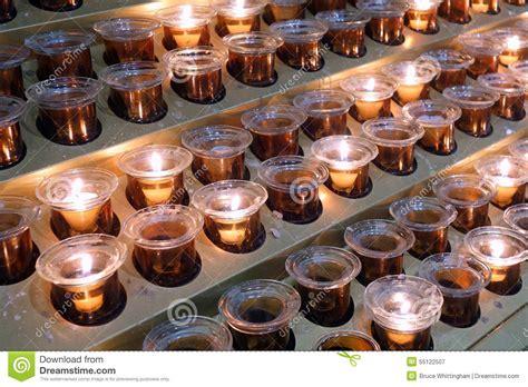candele votive candele votive immagine stock immagine di reale preghi