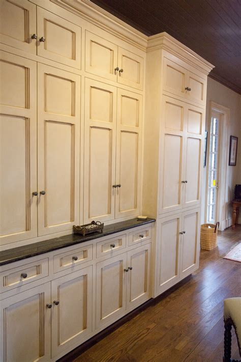 off white kitchen cabinets with glaze a fun new friend and her fabulous old house the lettered