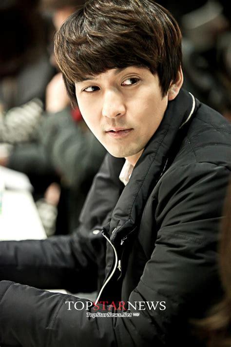 film korea terlucu about korea kpop and kdrama pemain dan sinopsis lengkap