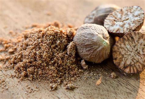 Minyak Atsiri Biji Pala rempah rempah pengawet alami asal tanah air ibu pertiwi