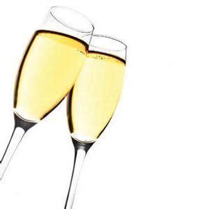 immagini bicchieri brindisi calici e bicchieri in plastica per brindare