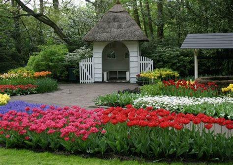 World S Largest Flower Garden Keukenhof Netherlands Largest Flower Garden In The World