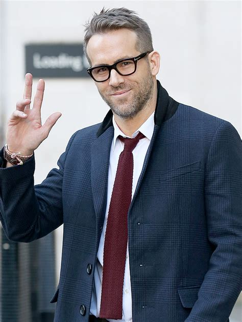 do people like salt and pepper hair on women ryan reynolds new haircut newhairstylesformen2014 com
