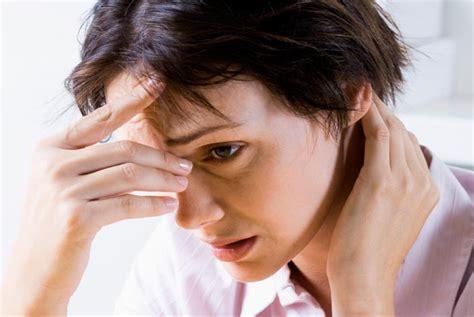 mal di testa e sinusite esercizi per alleviare il mal di testa causato da sinusite
