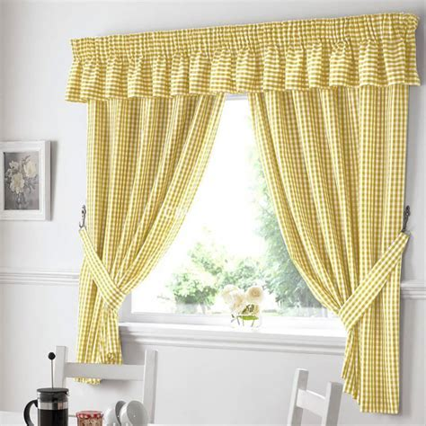 Gingham Pelmet in Yellow   Chiltern Mills