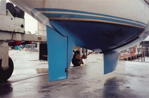 boat fitter definition sailboat rudder types full spade skeg outboard