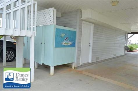 outside bathroom rentals dunes realty garden city beach rental foxworth