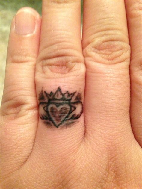 claddagh ring tattoo designs claddagh tattoos tattoosandpiercings net