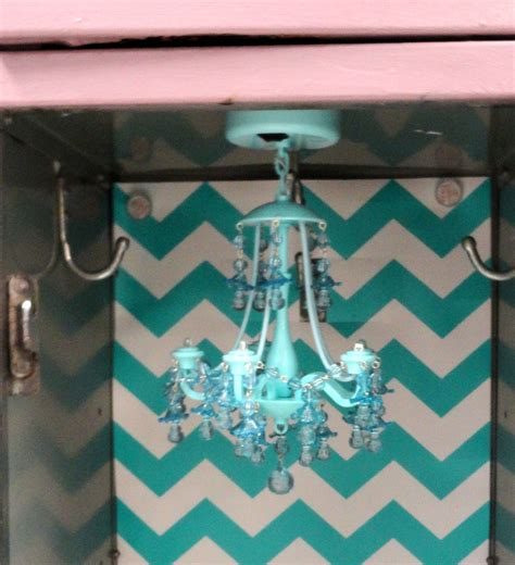 Magnetic Locker Chandelier 5 Simple Steps To Decorating A Fabulous Locker With Locker Lookz Teodoro