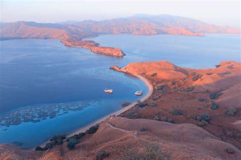 pulau komodo sampai wae rebo  tempat wisata