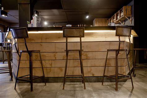 Comptoir De Réception A Vendre by Tabourets Hauts Comptoir De Bar With Comptoir De Bar En Bois