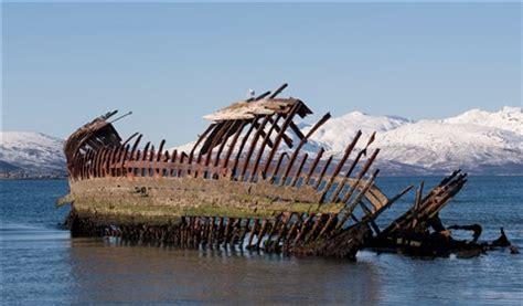 old shipwreck: haugun: galleries: digital photography