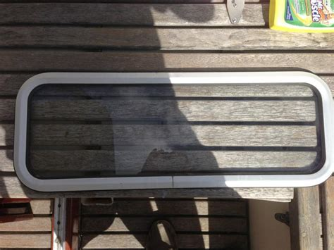 onderhoud aluminium boot vervangen raamrubbers aluminium scheepsraam werkspot
