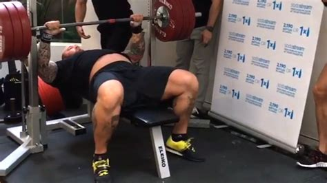 the game bench press watch the mountain from game of thrones bench presses