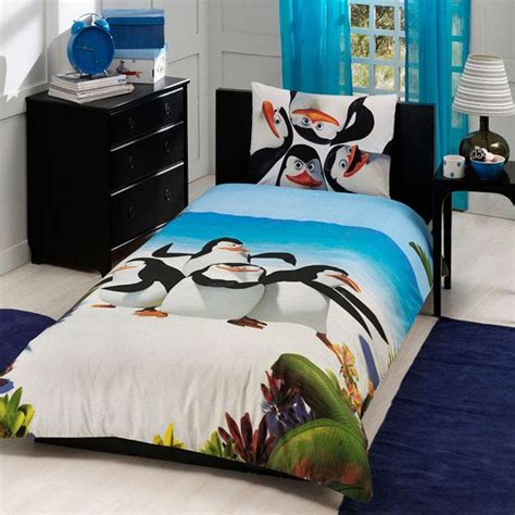 Penguin Bedding Set 1000 Images About Penguins On Madagascar Penguin And Locket