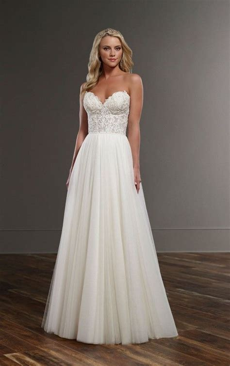 Flowing Wedding Dresses by 17 Best Ideas About Flowing Wedding Dresses On