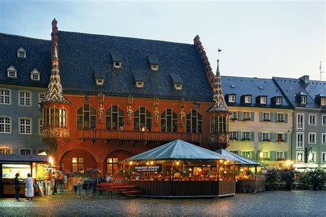 freiburg w fryburg słoneczny taras i miasto dobrego humoru