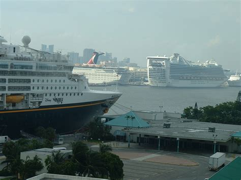 cruise ship the world top 10 ultimate and largest cruise ship in the world 2012
