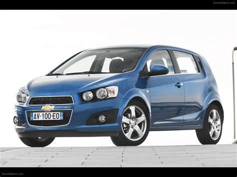 chevrolet aveo hatchback 2011 car picture 01 of 52
