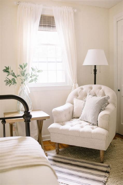 small white bedroom chair 25 best ideas about white rooms on pinterest bedroom